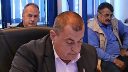Rămas fără job, consilierul local Florin Creţ a primit o sinecură de la stat