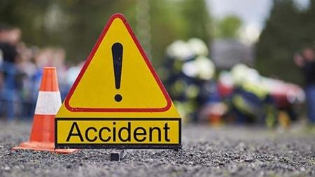 Trei copii loviți de o mașină pe trecerea de pietoni