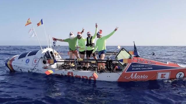 De revelion, patru români au tras la vâsle pe Oceanul Atlantic