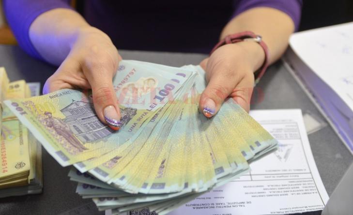 Un șef birou din primăria băimăreană câștigă 8000 lei/lună