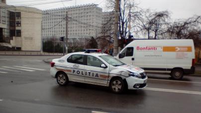 Accident în care a fost implicată o mașină a poliției