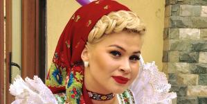 Moiseanca Oana Tomoiagă, de la șlagăre de folclor la pricesne (GALERIE FOTO ȘI VIDEO)