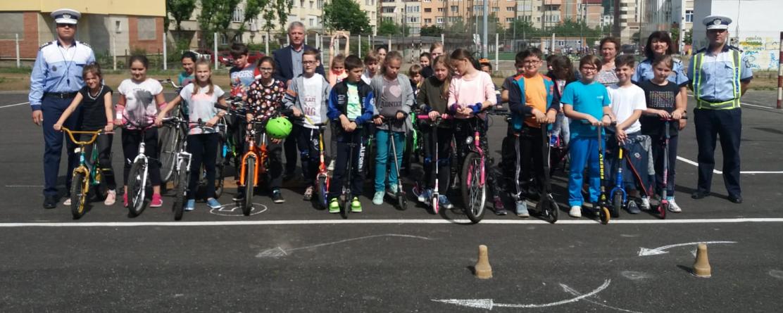 "Concurs de biciclete la Școala ""Alexandru Ivasiuc"" (Galerie FOTO)"