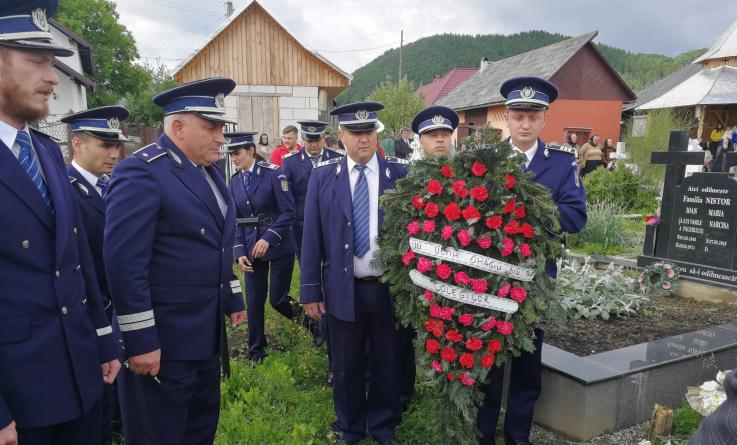 Polițiștii maramureșeni au cinstit memoria colegilor lor care au murit în timp ce erau la datorie