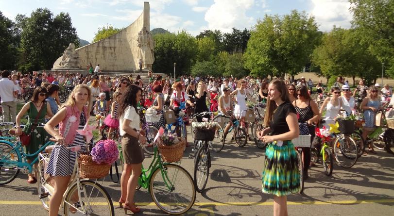 """Ziua biciclistelor """"SkirtBike"""" a ajuns la a 7-a ediție"""