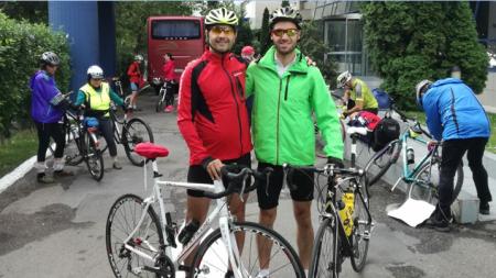 Cum au ajuns doi polițiști să fie bicicliști centenari