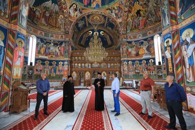 Lucrări la mănăstire