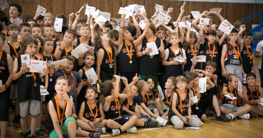 Campionatul municipal de baschet amatori și-a desemnat campioana (GALERIE FOTO)
