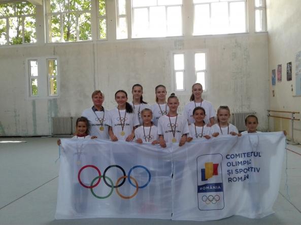Repetiție pentru campionatul național de gimnastică ritmică