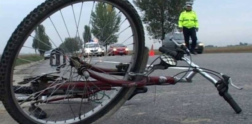 Un biciclist a fost accidentat mortal de un șofer beat, care a fugit de la locul faptei