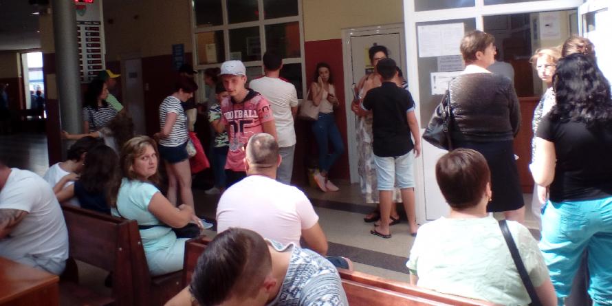 Un nou ghișeu la Serviciul Pașapoarte și program prelungit de lucru toată luna august