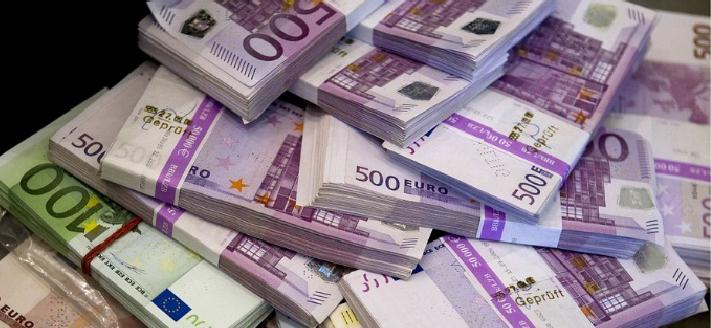 Un polițist de frontieră din Maramureș a refuzat o mită de 80.000 de euro