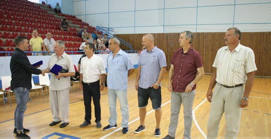 """Câștigătorii Cupei IHF din 1988, celebrați la Memorialul """"Lascăr Pană"""""""