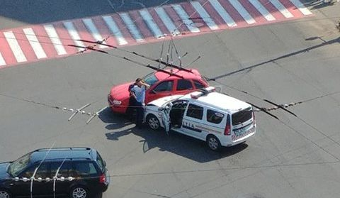 Accident cu o mașină a poliției