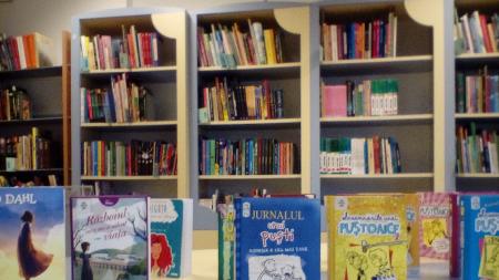 Peste 3.600 de titluri noi de carte au intrat în biblioteca publică
