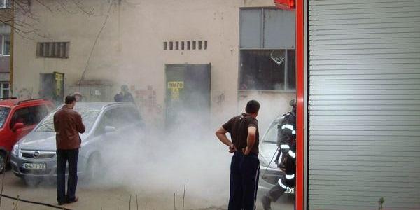Un transformator electric din Baia Mare a luat foc