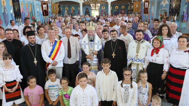 Episcopul Iustin i-a îndemnat pe credincioși la pelerinaj la mănăstiri de sărbătoarea Adormirii Maicii Domnului