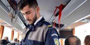 O femeie și-a ascuns copilul sub bancheta unui microbuz pentru a-l putea scoate din țară