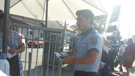 Cu poliția la piață