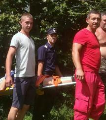 Turist mușcat de câine și salvat de pompieri