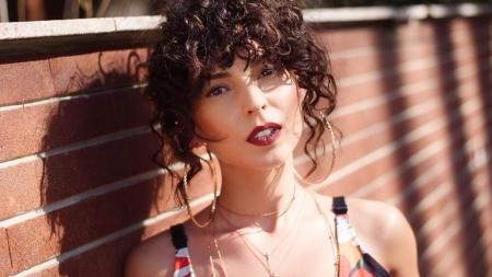 Cântăreața băimăreană AMI pregătește primul său album solo