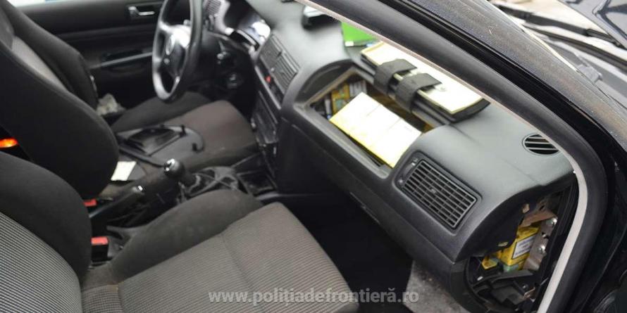 Unde mai ascund contrabandiștii țigările? Sub airbag-ul mașinii!