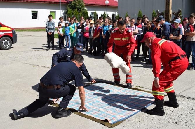 De ziua lor, pompierii  deschid porțile pentru maramureșeni (VIDEO)