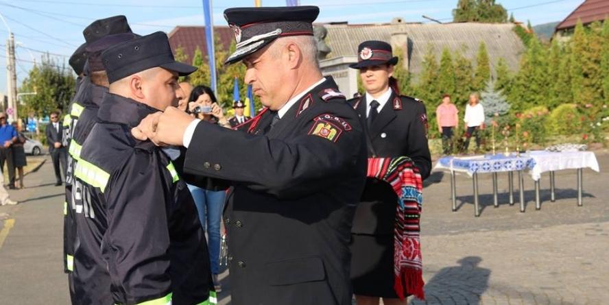 De 13 septembrie, pompieri avansați la gradul următor (GALERIE FOTO)
