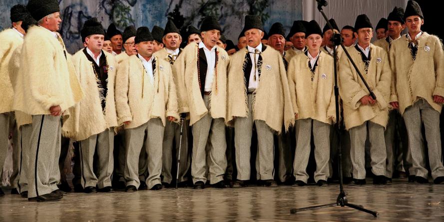 La Finteușu Mare se va dezveli Monumentului cântecului coral