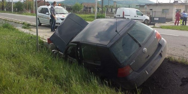 Șoferul băut a scăpat nevătămat, pasagerul a ajuns la spital