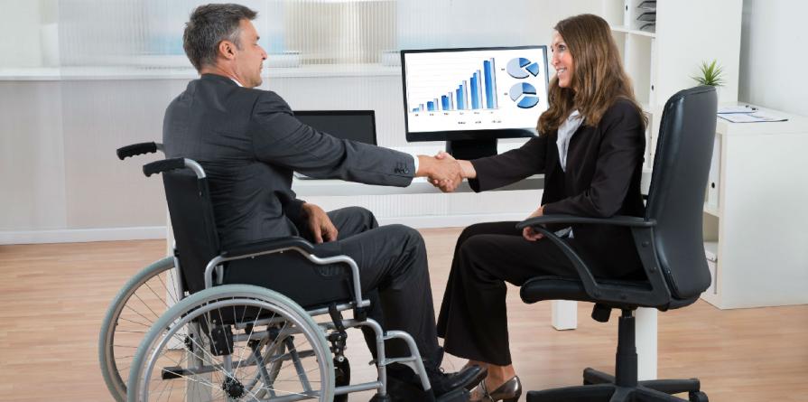 Spor de 15% la salariu pentru toate persoanele cu handicap grav sau accentuat