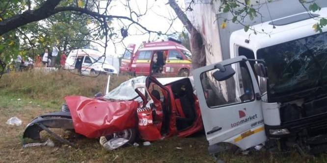 Patru victime, trei mașini și un singur accident