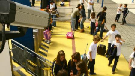 Jumătate din școlile maramureșene nu au autorizație sanitară, iar 62% nu au pază ori sisteme video de supraveghere