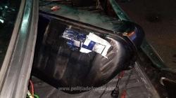 Un câine bine orientat a găsit țigări de contrabandă în rezervorul unui Mercedes