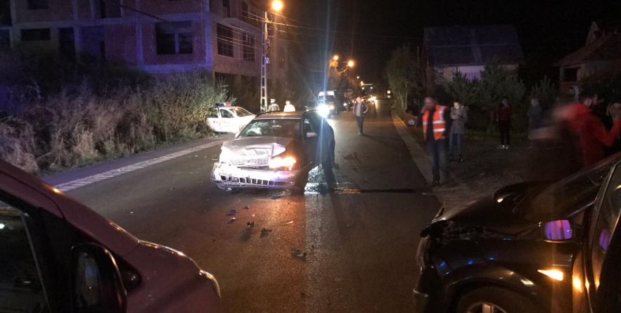Accident cu cinci victime, provocat de un borșean fără permis și băut zdravăn, care a lovit inclusiv mașina poliției