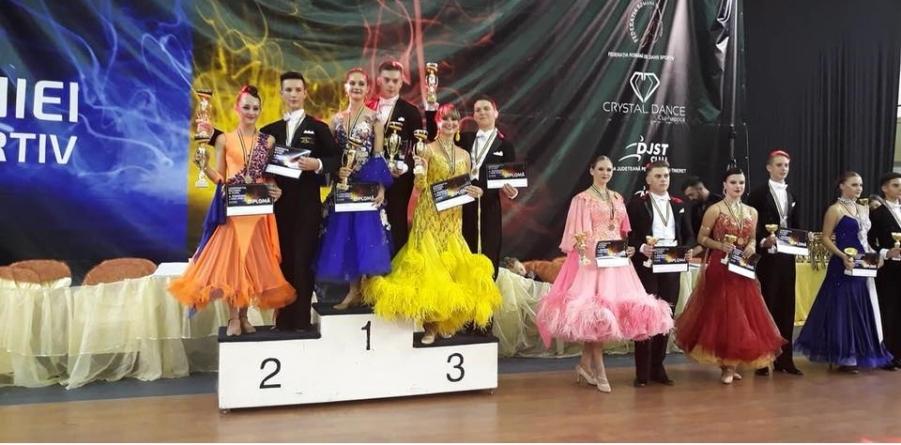 Alte două medalii de aur și două de bronz pentru dansatori sportivi maramureșeni