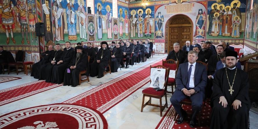 Din 1990,  a crescut cu 70% numărul clericilor și cu 40% cel al parohiilor din Episcopia Maramureșului și Sătmarului