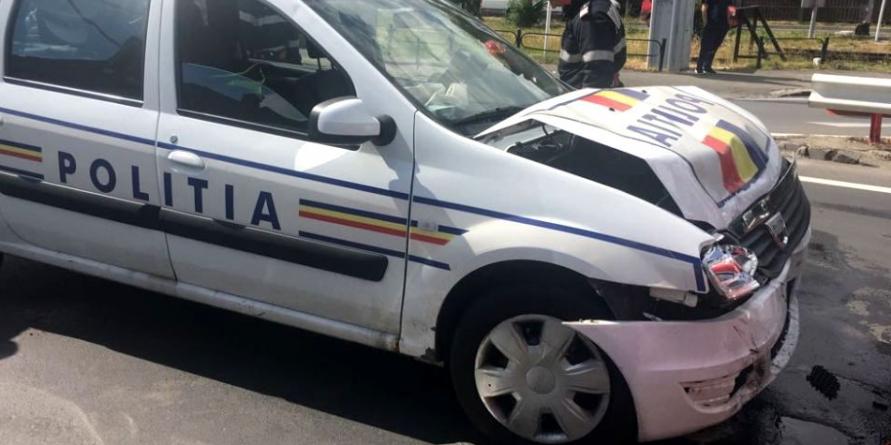 Coliziune cu o mașină a poliției