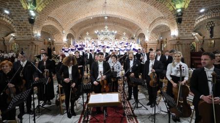 """Mitropolitul Europei Occidentale si Meridionale a asistat la concertul """"Răsună Centenarul României"""" (GALERIE FOTO)"""