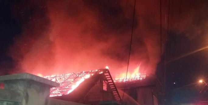 Patru incendii au izbucnit la locuințe din Baia Mare, Vișeu de Sus și Hovrila