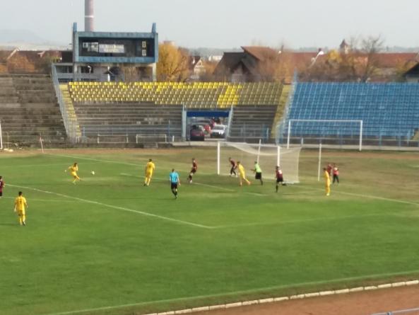 Doar 2-0 pentru Minerul Baia Mare într-un meci în care a ratat cât pentru tot turul