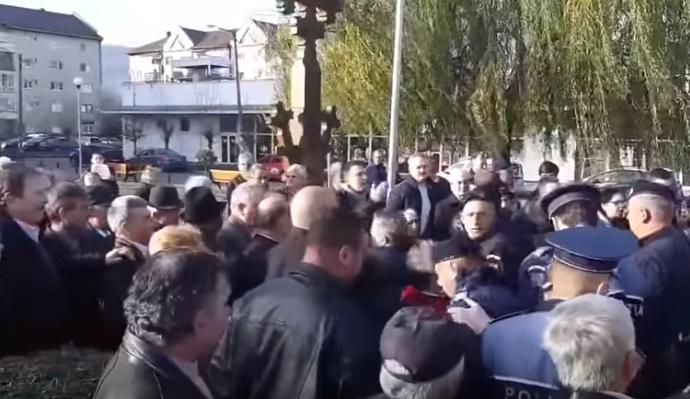 """S-a lăsat cu scandal la Biserica """"Sf. Iosif Mărturisitorul"""" din Sighet"""