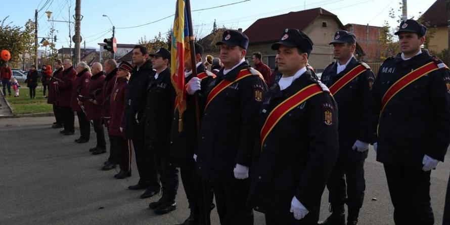 Patru pompieri militari au fost avansați în grad înainte de termen