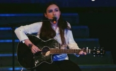 Acoustic live evening, cu Ilinca Pleș