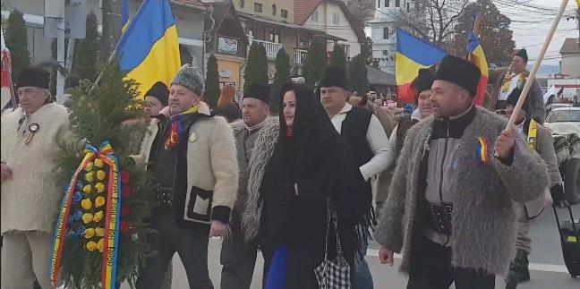 Delegația maramureșeană l-a cinstit cum se cuvine pe singurul erou-martir al Marii Uniri (GALERIE FOTO)