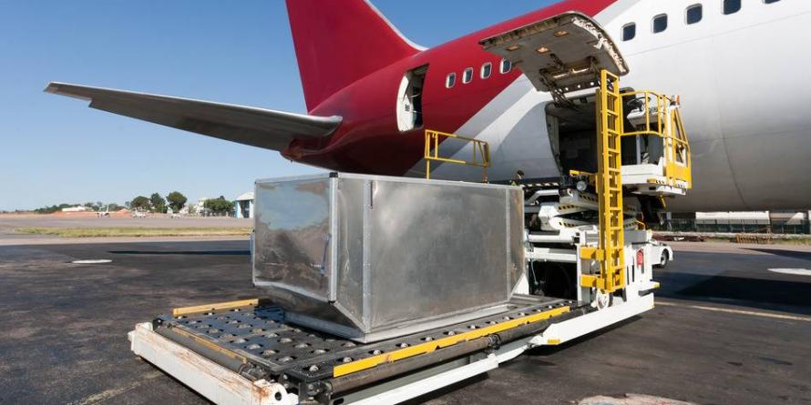 37,5 de milioane de euro, sprijin guvernamental pentru un terminal cargo la aeroportul băimărean