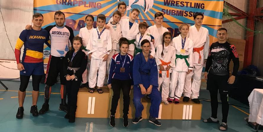 5 medalii de aur la jiu jitsu pentru sportivii maramureșeni (GALERIE FOTO)