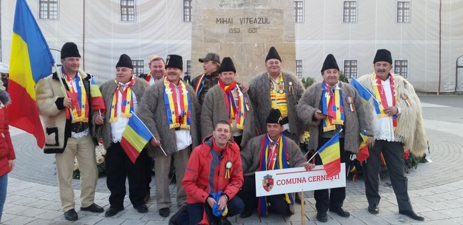 Nouă cerneşteni au plecat pe banii lor la Alba Iulia (GALERIE FOTO)