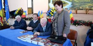 """""""Dascăli din Țara Codrului"""", o carte-document lansată în Fărcașa"""