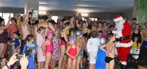 Mici înotători premiați de Moș Crăciun (GALERIE FOTO)